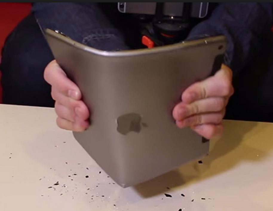 iPad Air 2 Bükülüyor Mu? Test Videosu